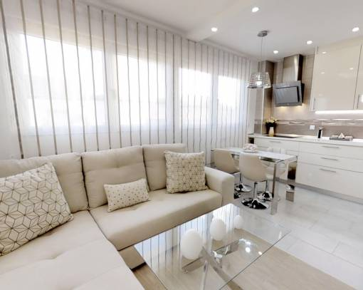 Apartment / Flat - Resale - Torrevieja - Centro