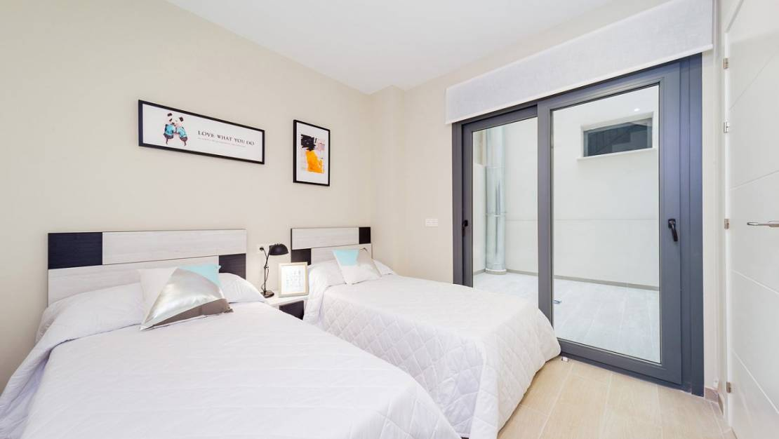 Apartment in Torrevieja with elevator. - Bedroom 2.