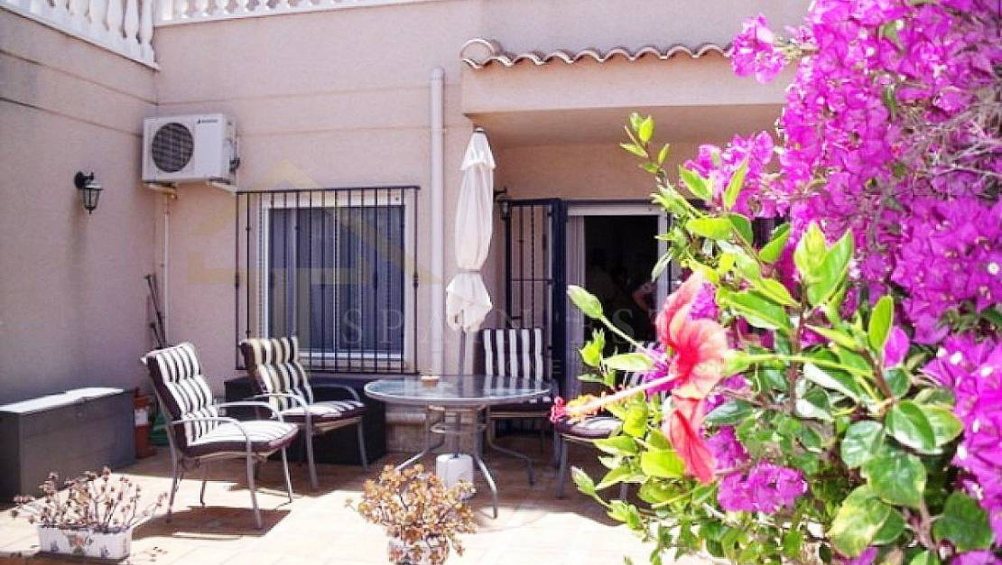 Beautiful apartment in Playa Flamenca with a community pool - balcony
