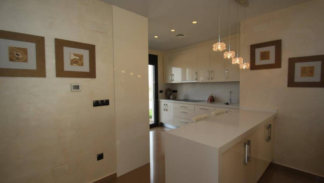 House in San Miguel de Salinas with private pool. - Kitchen.