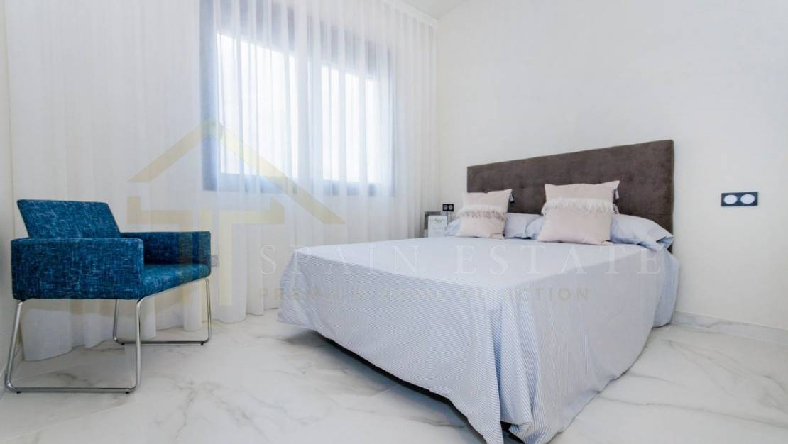 Luminous Villa in Castalla zone with a swimming pool - first bedroom