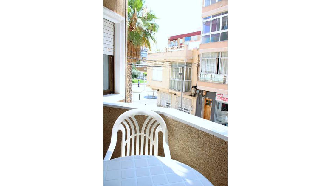 Resale - Apartment / Flat - Torrevieja - Centro