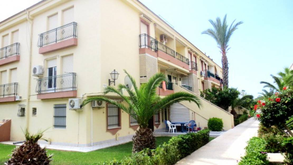 Resale - Apartment / Flat - Torrevieja