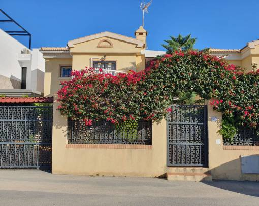 Terraced house - Resale - Orihuela Costa - Lomas de Cabo Roig