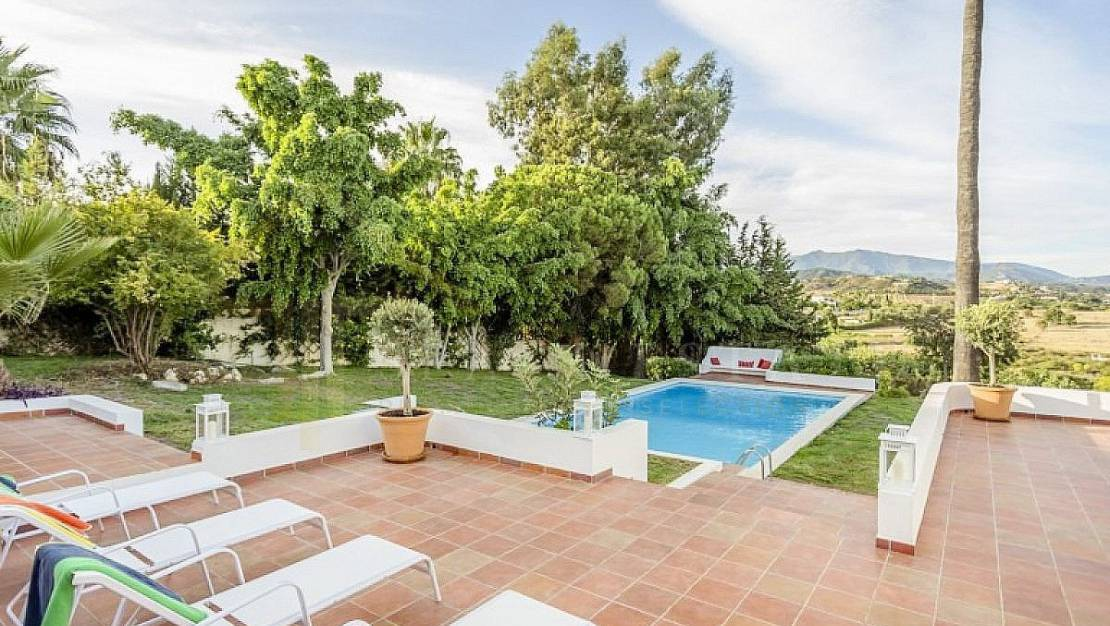 Villa in Marbella with private pool. - Garden.