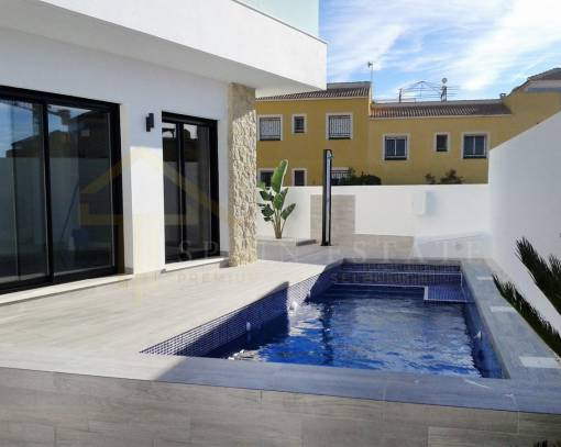 Villa - Resale - Los Montesinos - La Herada