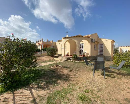 Villa - Resale - Orihuela Costa - La Florida